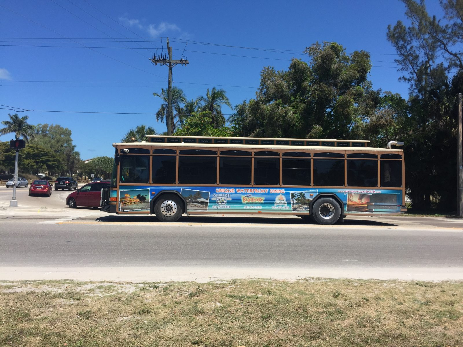 free trolley-style bus